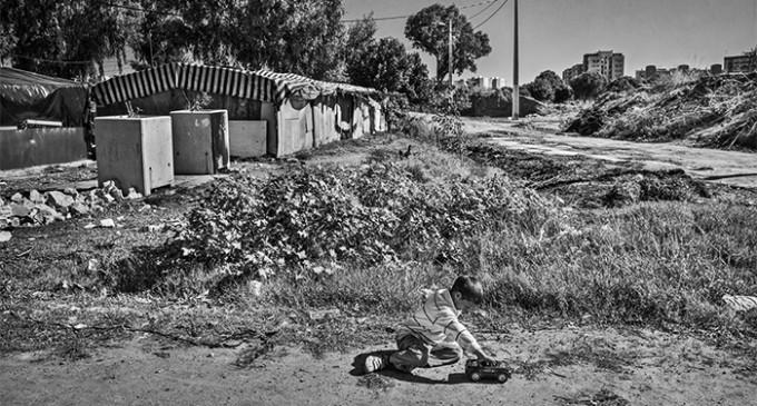 Casi tres millones de niños viven en riesgo de pobreza en España