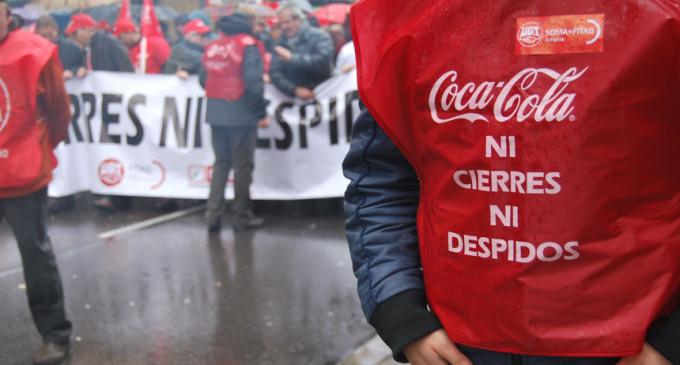 Cientos de trabajadores marchan contra el ERE de Coca-Cola