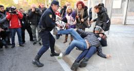 """Amnistía documenta abusos """"impunes"""" y """"habituales"""" de la Policía española"""