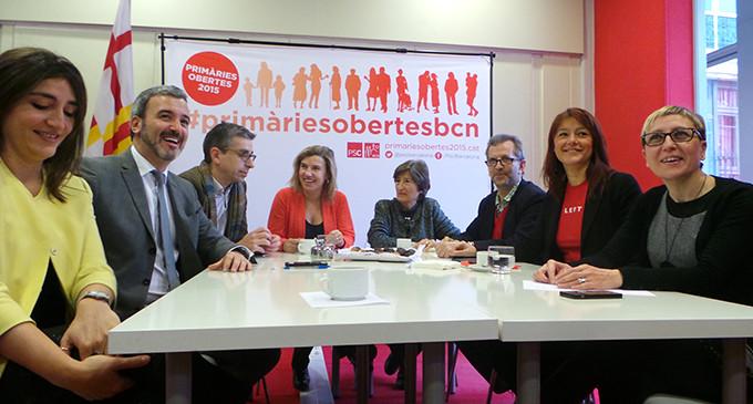 El PSC de Barcelona recauda dinero para promocionar sus primarias