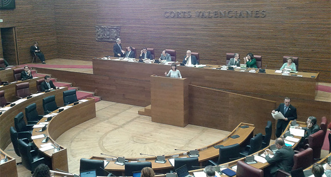 El PP vacía de plenos las Cortes valencianas