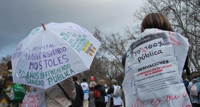 La marea blanca rechaza dejar las calles tras reunirse con la Consejería de Sanidad de Madrid