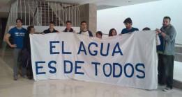 Agua y privatización: del rechazo de IU y Podemos a la ambigüedad del resto