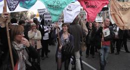 Decenas de miles de personas protestan contra la reforma de la ley del aborto
