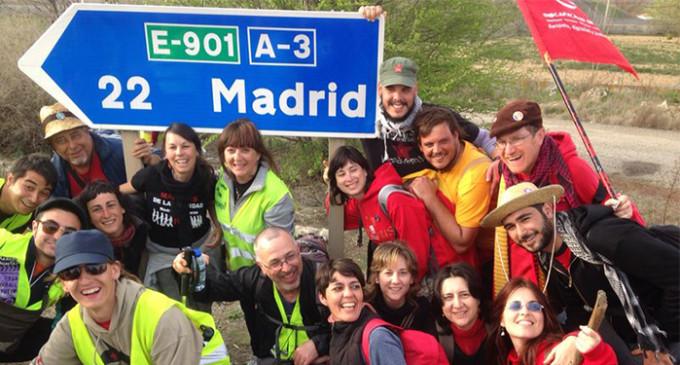 """Miles de manifestantes llegan a Madrid para pedir """"pan, techo y trabajo"""""""