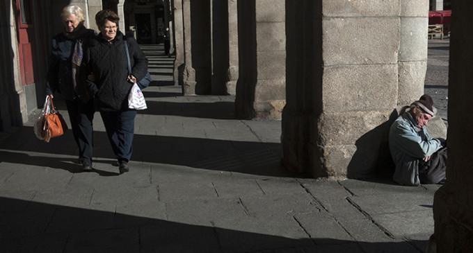 Casi la mitad de las personas sin hogar en España ha sufrido delitos de odio