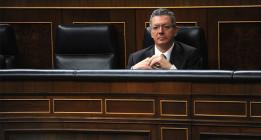 Gallardón indulta por Semana Santa a un director de oficina de banco que robó 30.000 euros a un cliente