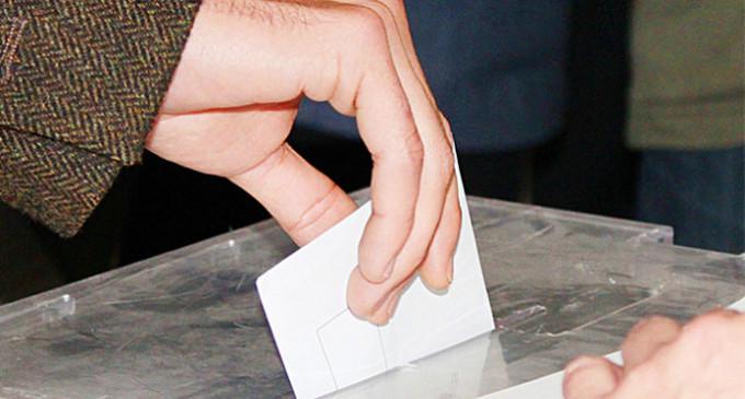 Estar parado aumenta las probabilidades de abstenerse en las elecciones