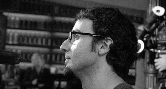 """David Macián: """"Me gustaría que 'La mano invisible' pudiera cambiarle la vida a la gente"""""""