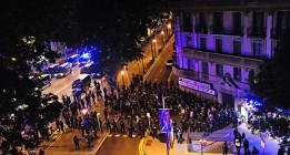 Los Mossos acorralan a manifestantes y les obligan a fotografiarse encapuchados