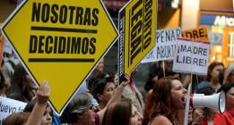 """El PP justifica su reforma del aborto por la """"inmadurez"""" de las menores de 18 años"""
