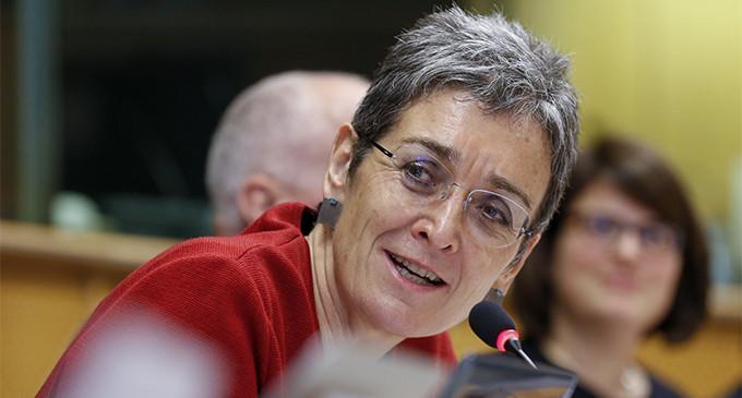 Ataque homófobo a la eurodiputada Lunacek durante el Orgullo de Viena