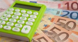 Las familias redujeron su consumo en algo más de 1.000 euros en 2013