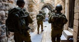 Israel lleva a cabo redadas nocturnas y detenciones masivas en Cisjordania