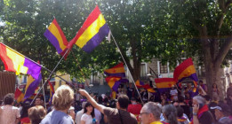 Una marcha republicana recorre el centro de Madrid tras la coronación