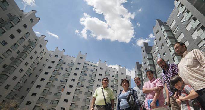 Inquilinos de pisos protegidos vendidos a fondos denuncian el aumento de precios