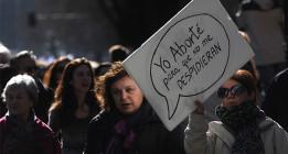 La reforma del aborto y Gallardón dividen en dos el Congreso