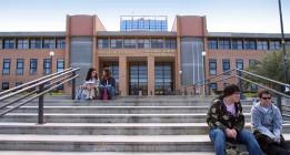 El recorte de 1.500 millones en la pública da oxígeno a la universidad privada
