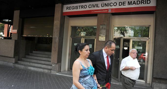 <em>Un ataque al Estado de Derecho: la privatización del Registro Civil</em>