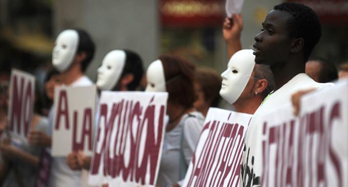 Los rostros de dos años de 'apartheid' sanitario