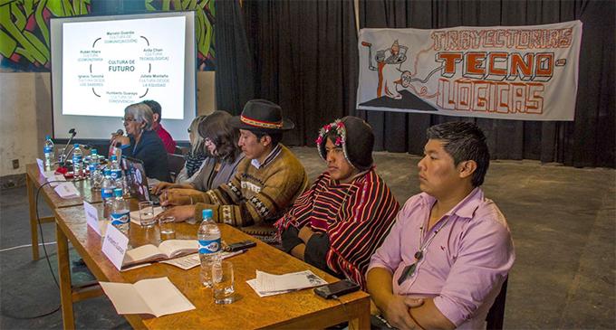 Bolivia afronta el reto de preservar las 36 lenguas que reconoce su Constitución