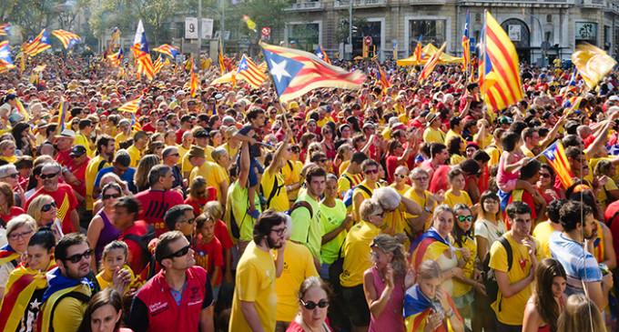 Cataluña pide decidir su futuro