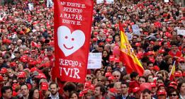 El integrismo católico presiona para evitar la retirada de la ley del aborto