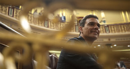 <em>Pedro Sánchez dice que no prohibirá los toros un día después de pedirlo en el Congreso</em>