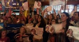 """Cientos de antiabortistas se manifiestan en sedes del PP contra la """"traición"""" de Rajoy"""