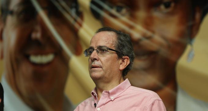 """Alberto Acosta: """"En Ecuador se está viviendo un retorno a la derecha"""""""