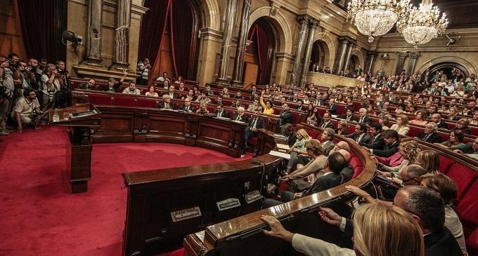 El Parlament designa la 'Junta Electoral' de la consulta entre acusaciones de desobediencia