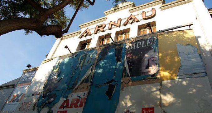 El Teatro Arnau, una década cerrado y en peligro de desaparecer
