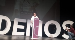 Iglesias arrasa con 95.000 votos y es elegido secretario general de Podemos