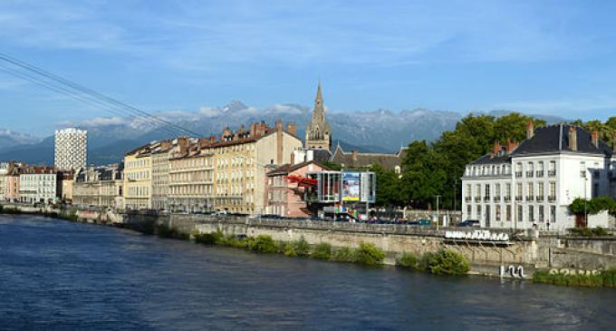 La ciudad de Grenoble sustituirá las vallas publicitarias por árboles