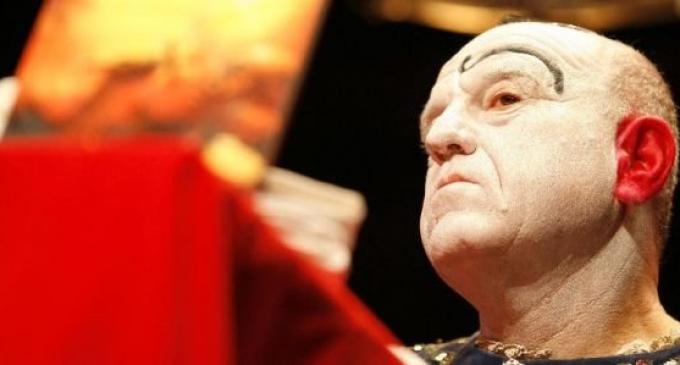 "Leo Bassi: ""Quien puso la bomba en el teatro Alfil sigue libre"""