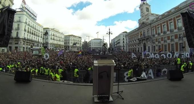 """Podemos llena la Puerta del Sol al grito de """"Sí se puede"""""""