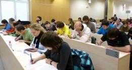 Los tutores de la UNED reivindican una regulación que les permita cotizar