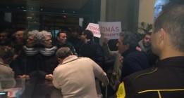 Militantes del PSM entran en Ferraz para pedir la dimisión de Pedro Sánchez
