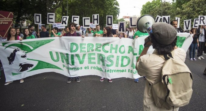 Rajoy miente y lo sabe: ni modifica las reválidas, ni paraliza la LOMCE, ni revierte los recortes educativos