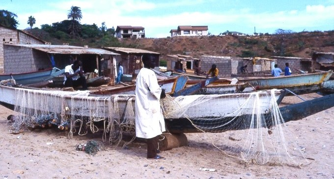 Senegal: no queremos a su gente, pero sí a sus peces