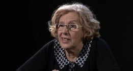 "<em>La historia ""visionaria"" de Manuela Carmena</em>"