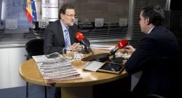 Rajoy se limita a presumir de la reducción del desempleo en marzo