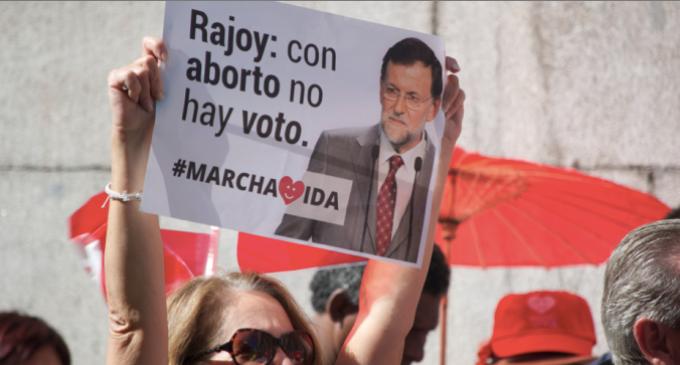 La asociación ultra Hazte Oír pide el voto para Esperanza Aguirre en Madrid