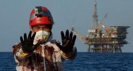 Cara a cara con Casablanca, la única plataforma petrolífera de España