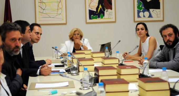 """Carmena da """"prioridad absoluta"""" a la lucha contra la malnutrición infantil"""