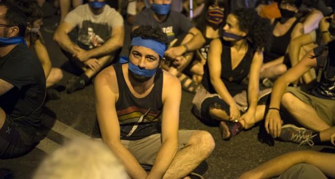 Escasa participación en la protesta contra la Ley Mordaza ante el Congreso
