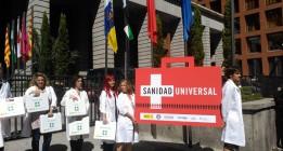 ONG y sociedades médicas reivindican la sanidad universal frente al Ministerio