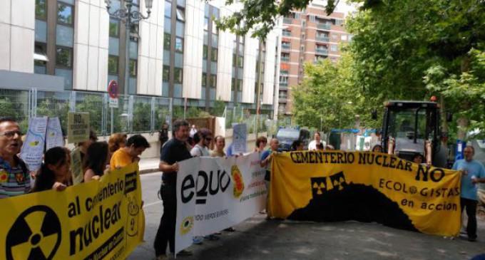 """Ecologistas denuncian las """"prisas"""" en la autorización del cementerio nuclear de Cuenca"""