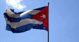Una bandera cubana ondea nuevamente en Washington