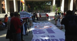 """La 'marea blanca' exige la revocación del """"planazo"""" privatizador en Madrid"""